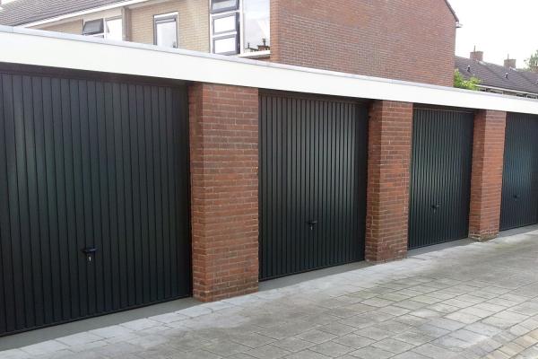 garage-kanteldeurDCEBC521-C9BA-F7B6-3945-7475364AB888.jpg