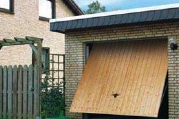 garagekanteldeur-houtFA56A360-5429-1389-C7B6-4DBCE5B3A968.jpg