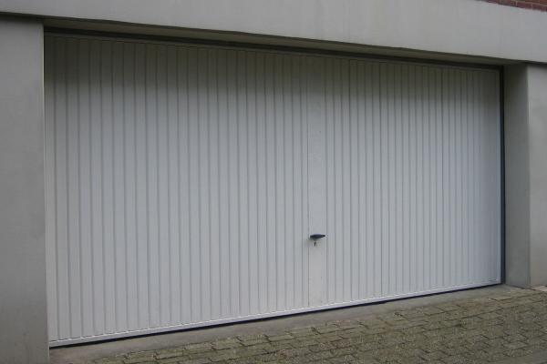 stalen-garagekanteldeurAE096762-BC3E-63C8-F5A1-3C3A49D9157E.jpg